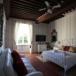 Chloe suite at Maison de Mallast Montolieu