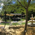 Outdoors restaurant in the garden at Maison de Mallast