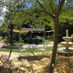 Outdoors restaurant in the garden at Maison de Mallast